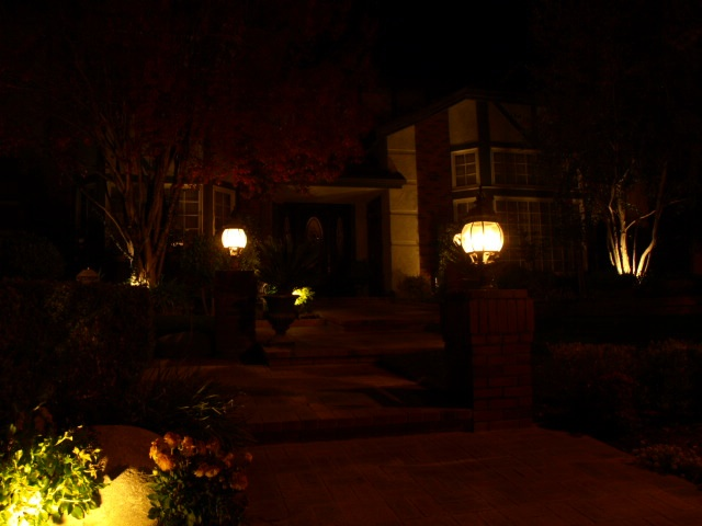 Calabasas Landscape Lighting Entrance